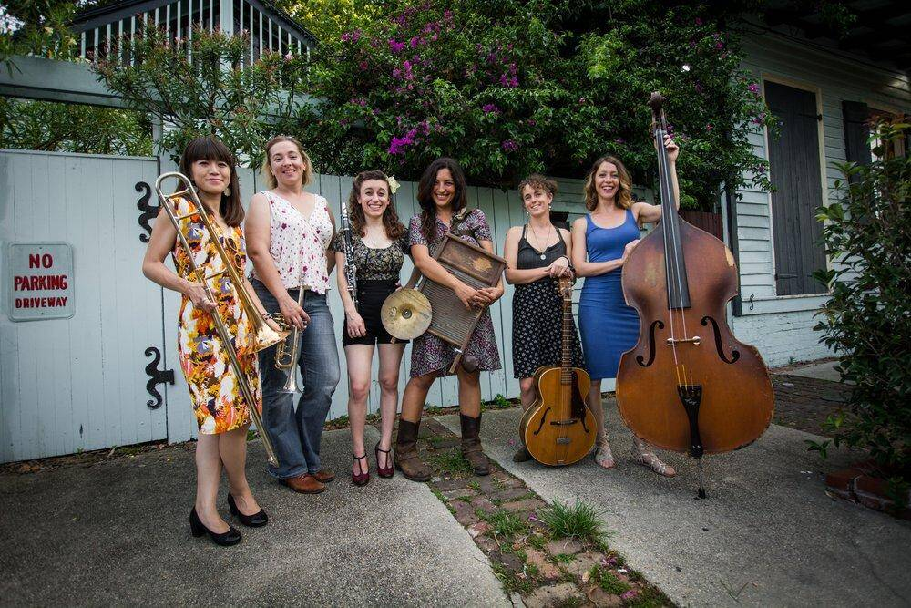Shake 'Em Up Jazz Band: le Donne Mangiano Zucchero & A Woman's Place