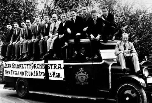 Spiegle Willcox (second from left) and Bix Beiderbecke (fourth from left) on the Goldkette band bus in Massachusetts, 1926